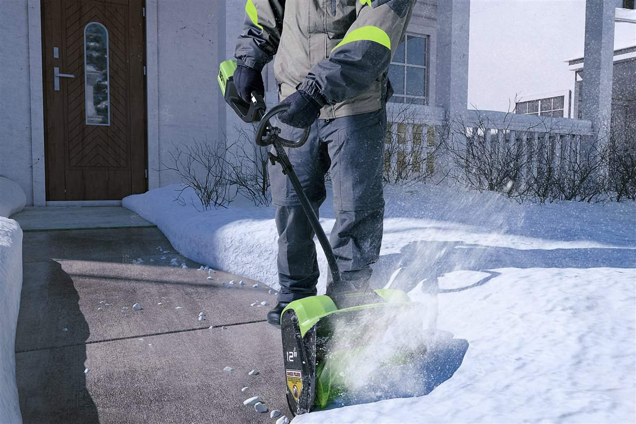homeowners dealing with snow
